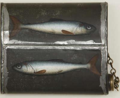 Fish Flask 13X16 5Cm Oil On Metal